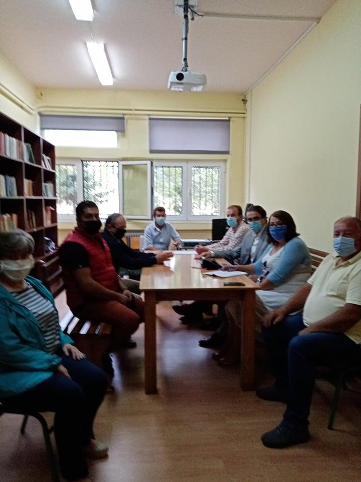 Συνάντηση με τον Διευθυντή Πρωτοβάθμιας εκπαίδευσης για ζητήματα της έναρξης της νέας σχολικής χρονιάς στο Δήμο Δεσκάτης