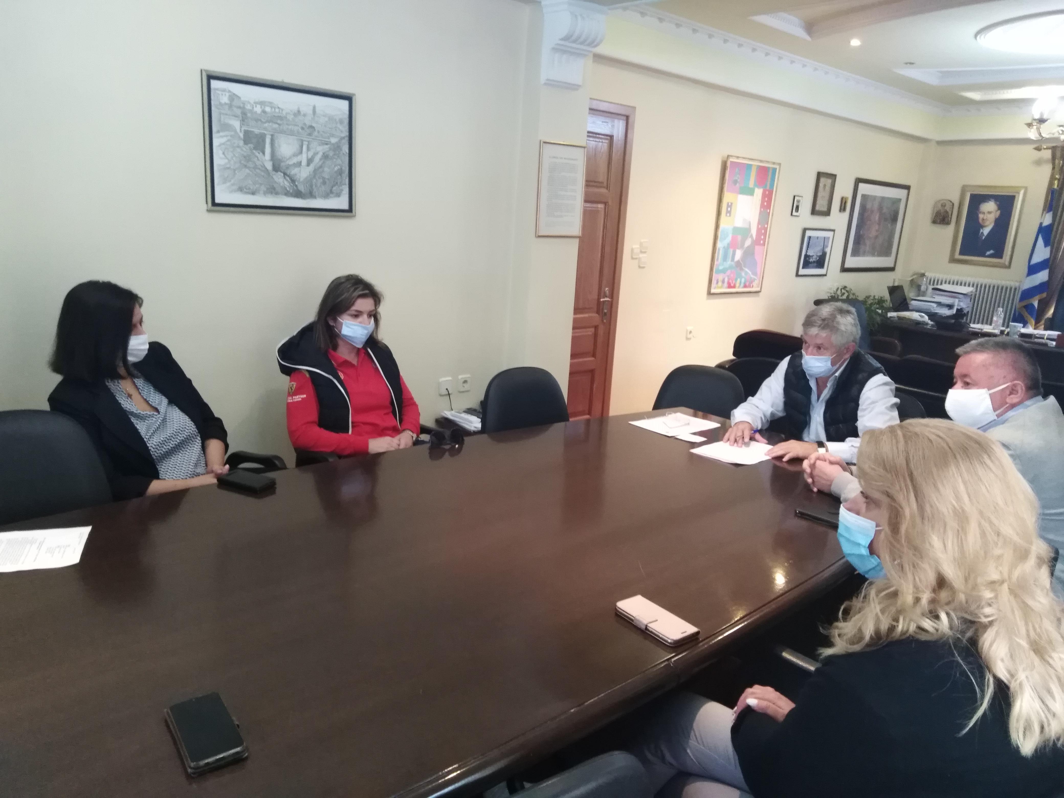Συνάντηση του Συλλόγου Γονέων και Κηδεμόνων Γυμνασίου Δεσκάτης με τον Δήμαρχο Κορδίλα Δημήτριο